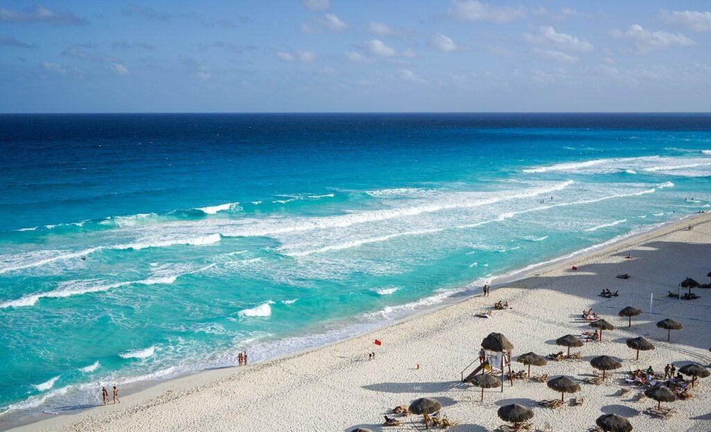 Conalep firma acuerdo con Hotel en Cancún